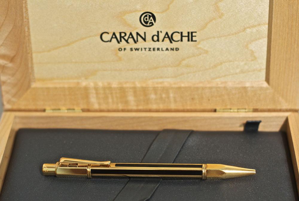 Carandache-Varius-Nera-Oro